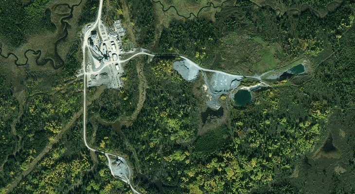 Satellite and aerial imagery basemaps work best when its important to know the land use and ground cover.